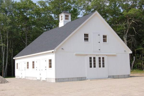 36x48 five stall center aisle barn