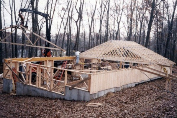 garage with roof trusses